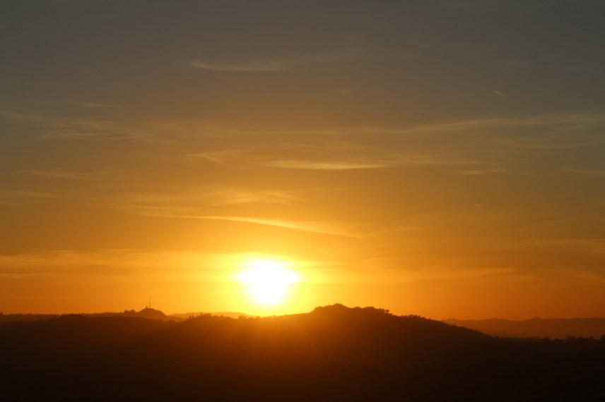 Goldene Sonnenuntergänge über dem Pazifik