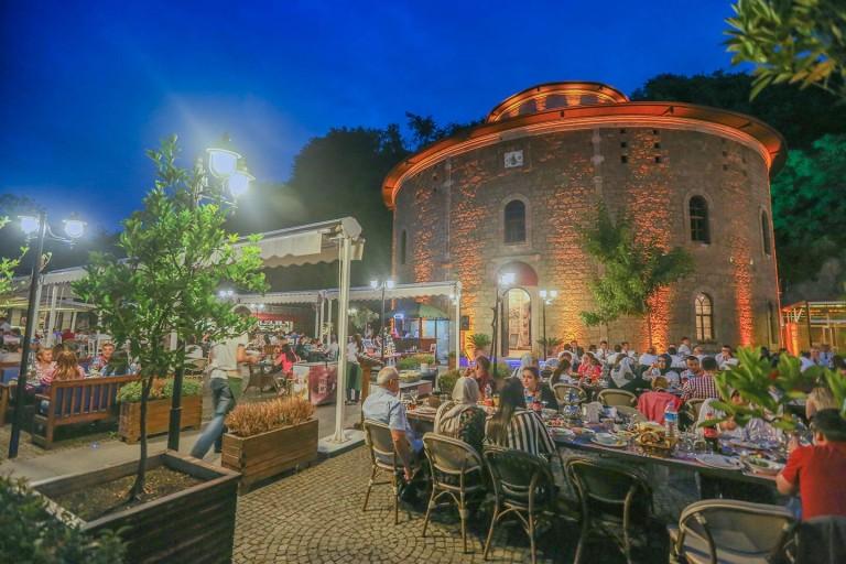 مطعم-جيبهانليك-في-طرابزون-768x512
