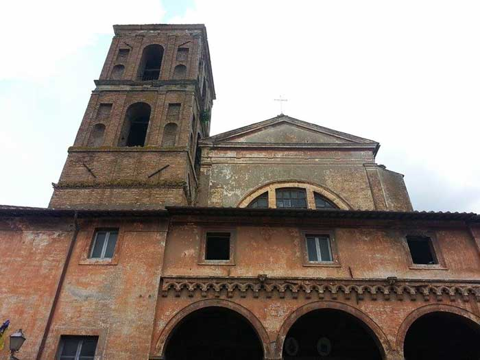La facciata della Cattedrale di Nepi