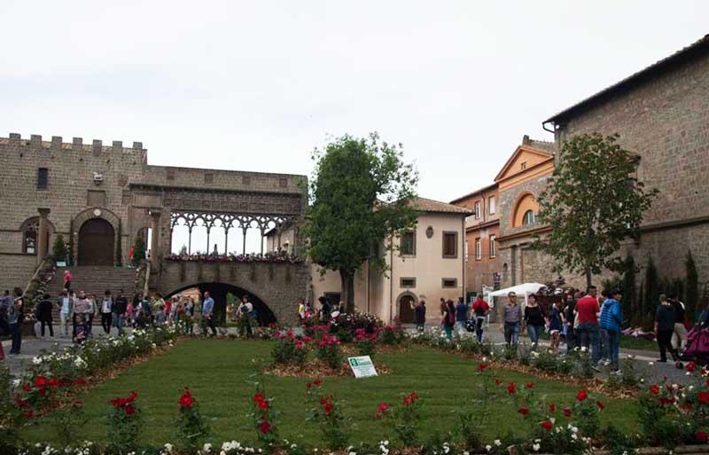 Piazza San Lorenzo e Palazzo dei Papi