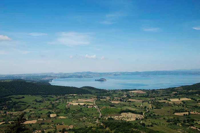 Vista Lago di Bolsena Montefiascone
