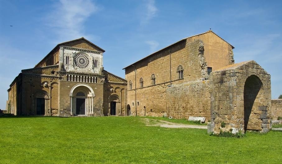 Arte romanica nella Tuscia: la chiesa di San Pietro