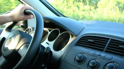 Generic-car-steering-wheel_20150911183416-159532