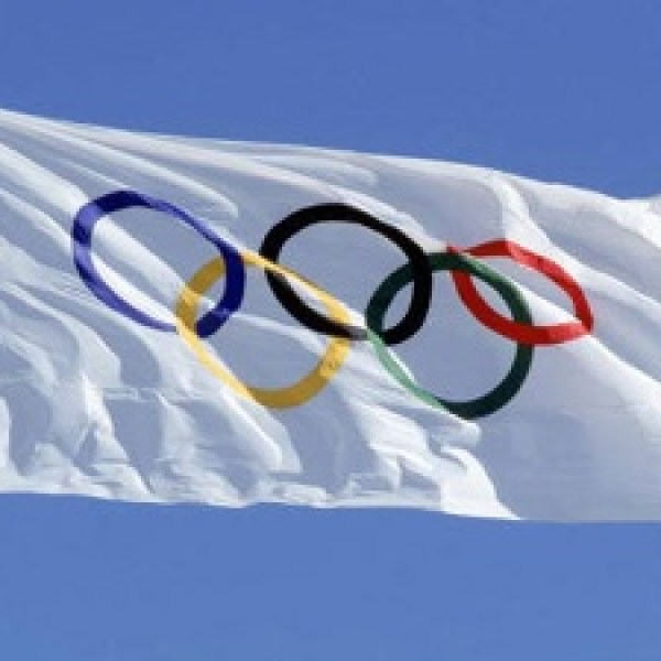 Olympic-rings-on-flag--Olympics_20160517154144-159532-159532-159532