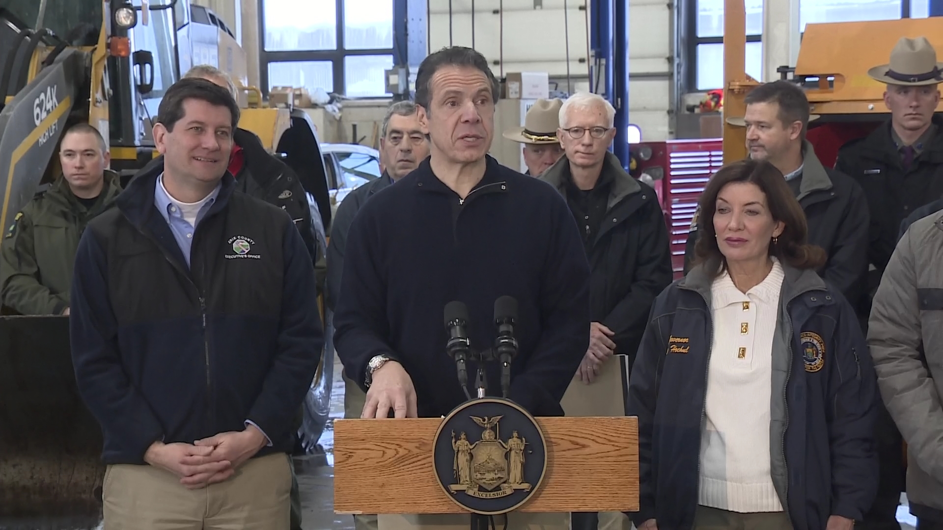 Gov__Cuomo_responds_to_Thruway_crash__tr_0_20190131160552-118809282