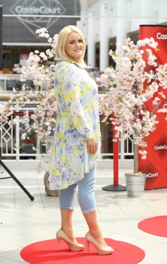 CMPR Model Arlene Kelly wearing Yellow Floral Patterned Shirt, £45 @ Simply Be, Blue Roll Up Jean @ Dorothy Perkins