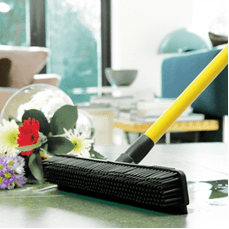 REVOLUTIONISE YOUR CLEANING ROUTINE WITH THE RUBBER WONDERBROOM FROM JML