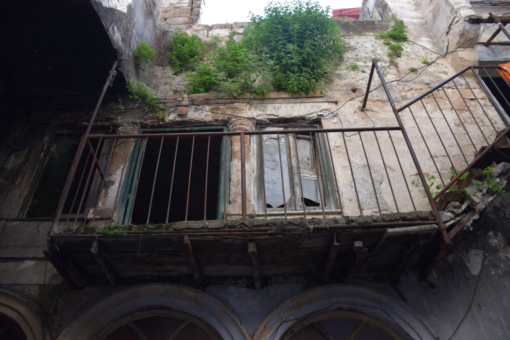 Tripoli, Lebanon, old houses, sleeping rooms, balcony, architecture, Mamluks, Ottomans