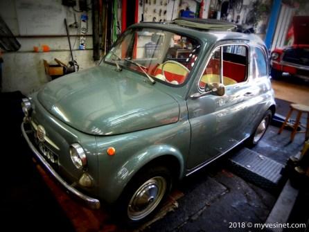 Une auto ancienne au Vésinet