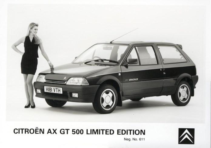 Une très rare (500 exemplaires) GT500 destinée à la Grande Bretagne
