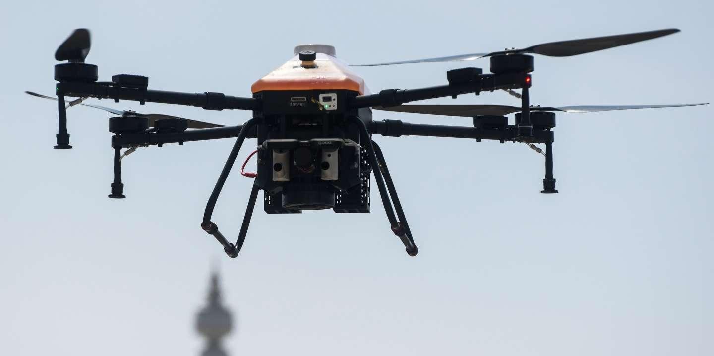 Le drone, renfort utile mais controversé pour faire respecter leconfinement