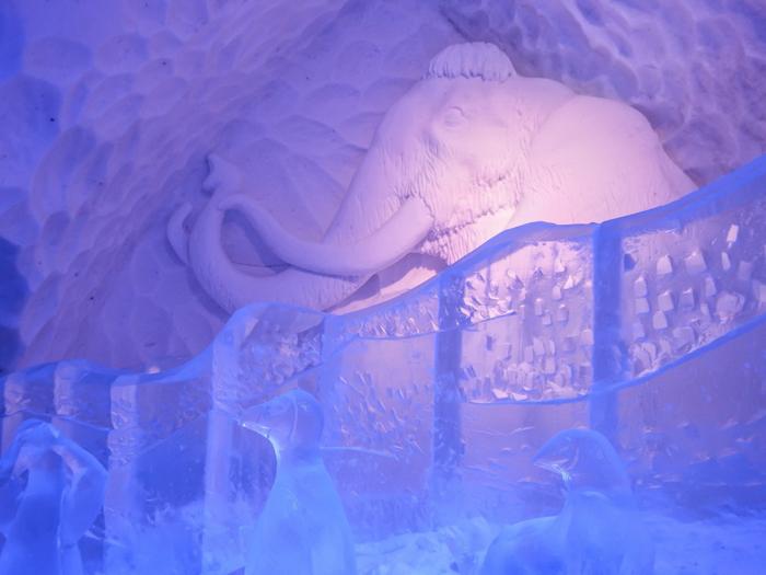 Hôtel de Glace // Straight Chillin' at Québec City's Ice Hotel | Québec City's ice hotel |The Ice Age | ice slide