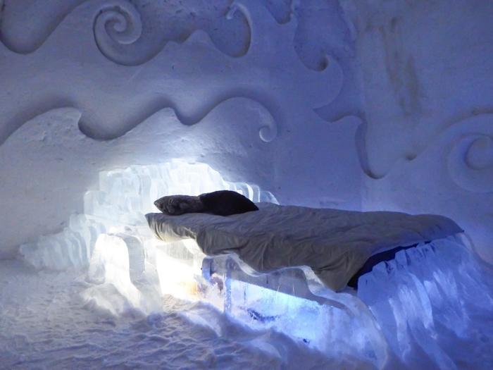 Hôtel de Glace // Straight Chillin' at Québec City's Ice Hotel | Québec City's ice hotel | ice bed | suite
