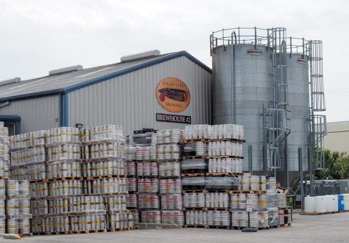 How to Tour Beer // Cigar City Brewery | Tampa, Florida | Taking a tour | Beer cans
