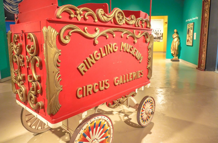How creepy is the Ringling Brothers Circus Museum | Sarasota, Florida | Barnum and Bailey Circus | Greatest Show on Earth | The Greatest Showman | Circus history | Clowns | circus cart