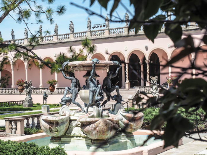 The Ringling // Getting My Italy Fix in Florida   Ringling   Ringling art museum and sculpture garden   Sarasota, Florida   Fountain in the sculpture garden