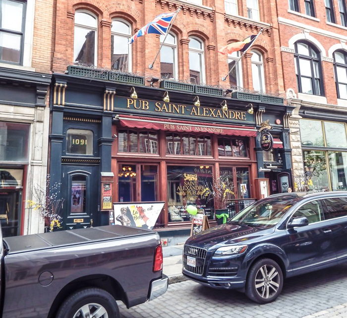 The Best Spots to Eat + Drink in Québec City | Lunch at Pub St. Alexandre