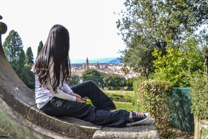 How to NOT guide for getting robbed abroad | What to do before, during, and after getting robbed abroad. Pickpocketing in Europe, travel insurance, etc. #traveltips #europe