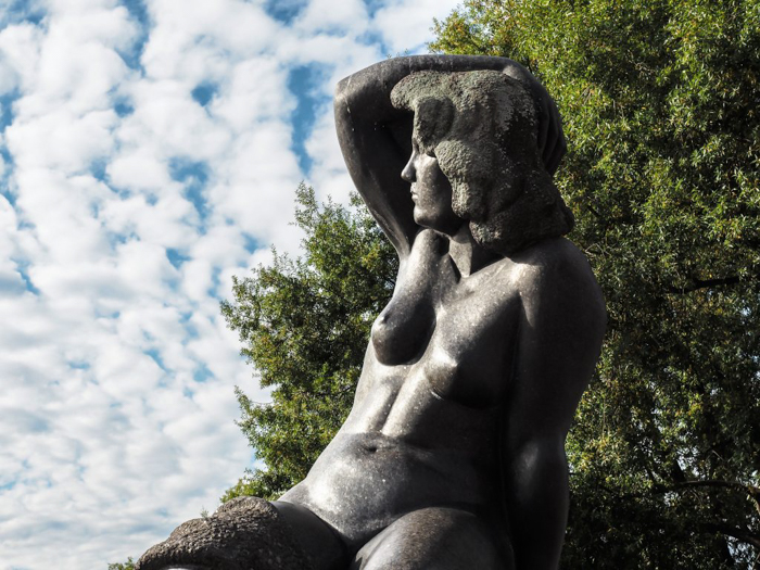 24 hours in Oslo, Norway | Lady Statue