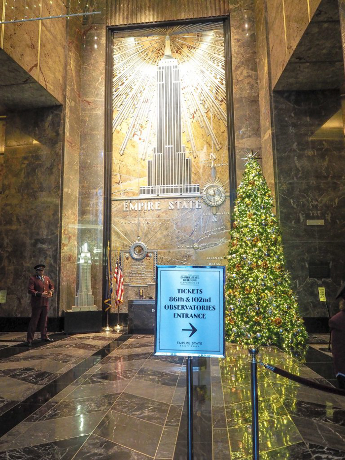 Is the observatory at the Empire State Building the best observation deck in New York City? (The entrance during the holidays)