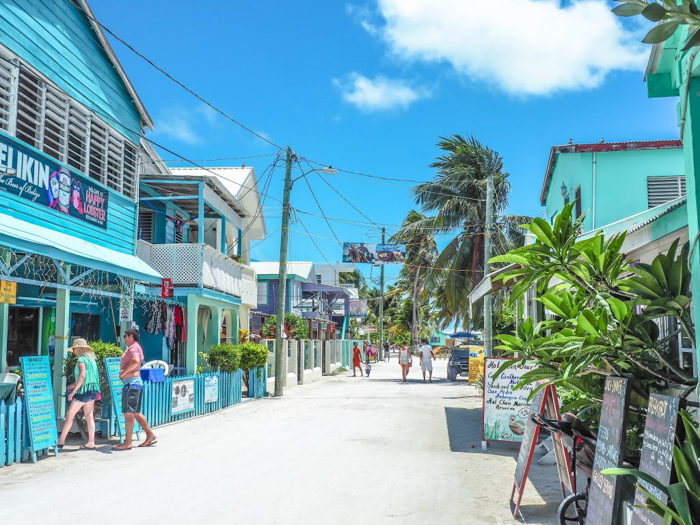 3 days in caye caulker, belize // street