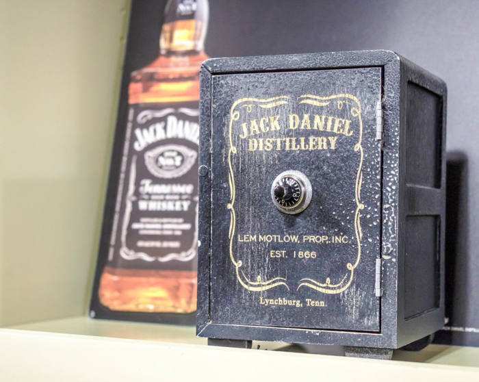 Jack Daniel's Distillery tour in Lynchburg, Tennessee | Tennessee Whiskey | perfect day trip from Nashville | Southern lunch at Miss Mary Bobo's Boarding House | Jack Daniel's Honey | Jack Daniel's Fire | Gentlemen Jack | Jack Daniel's Single Barrel Select | Old no. 7 | hardware store