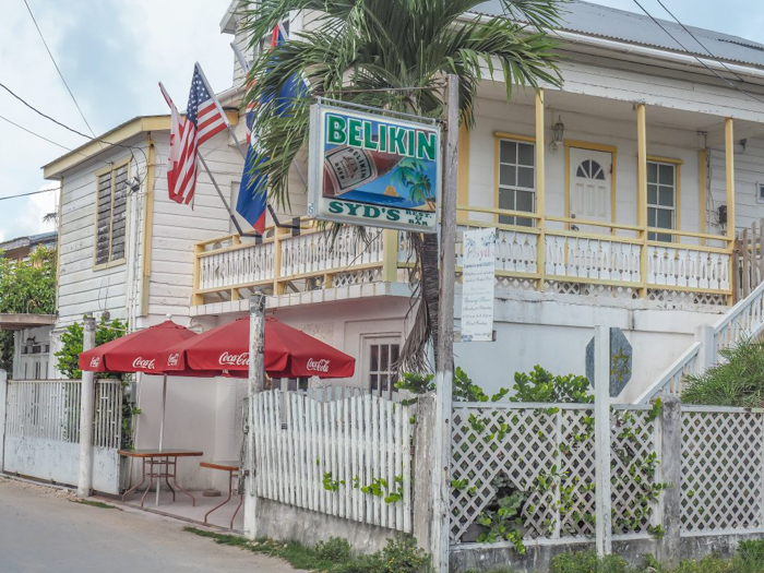 17 things that shocked me in Belize // Caye Caulker Syd's Restaurant