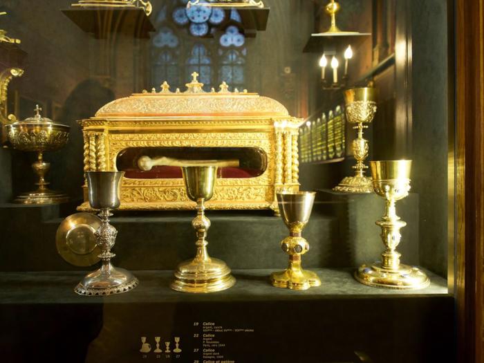 3 days in Paris, France   Paris Museum Pass   Paris Passlib'   Paris Visite   Notre Dame Cathedral   Treasury relics