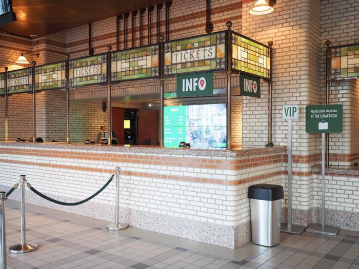Lobby and check in | The Heineken Experience in Amsterdam | the Netherlands | Heineken Brewery | brewery tour | VIP tasting | beer | Amstel | Brand | Affligem | Heineken 41 | beer tasting
