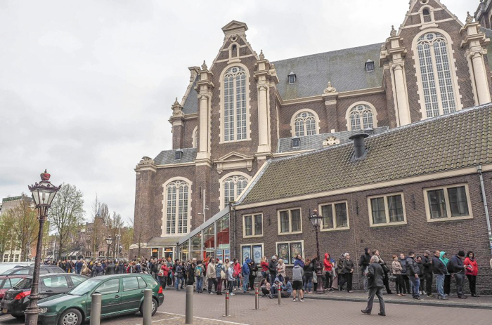 Line to get into the Anne Frank House in Amsterdam | 3 days in Amsterdam, Netherlands | Dutch history | WW2 | Diary of Anne Frank