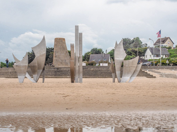 The best D-Day sites to visit in Normandy, France | WWII | WW2 | Omaha Beach | Les Braves memorial sculpture