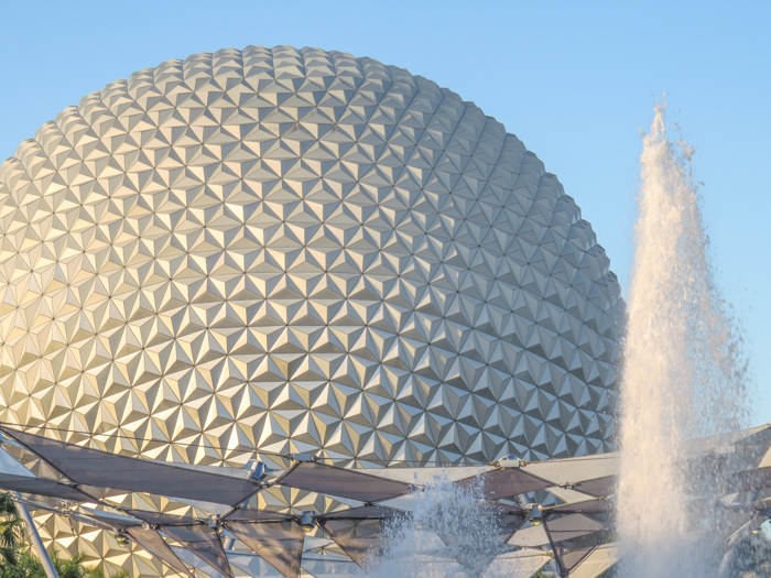 What to pack for the Epcot Food and Wine Festival | Epcot Center, Disney World, Orlando, Florida | What to wear, what to bring, what to leave at home, and how NOT to look like a crazy person | Apparel, shoes, misc. | Spaceship Earth