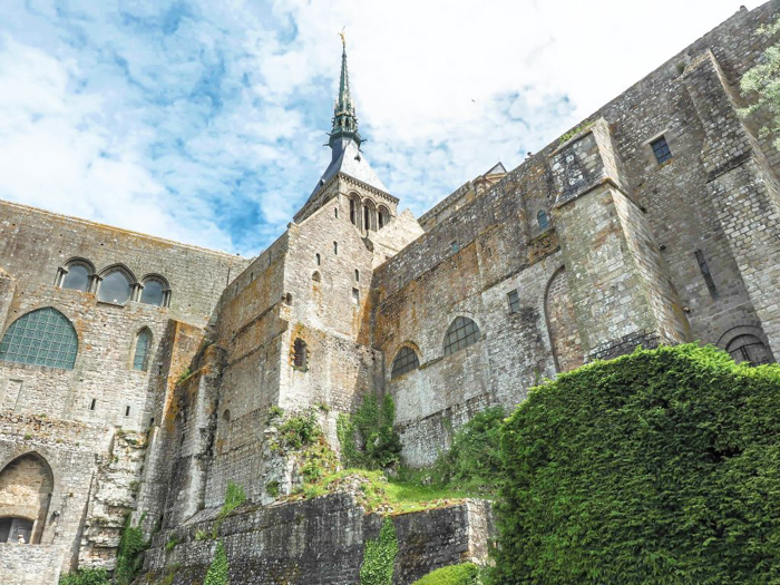 It's actually worth visiting Mont Saint Michel | Normandy, France | Medieval abbey on an island | Bucket list | Disney fairy tale castle inspiration | Mont-St-Michel | abbey