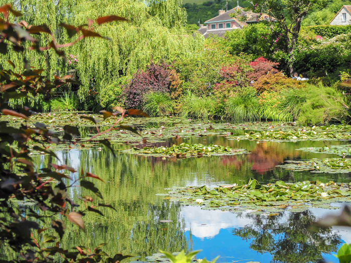 Day Trip to Givery from Paris, France | Show me the Monet! | Claude Monet, Waterlilies | Impressionist art | Day trips from Paris | What to do in Paris | Things to do in Paris | Where to go in France | Waterlily pond | Impressionism | monet's water lily pond