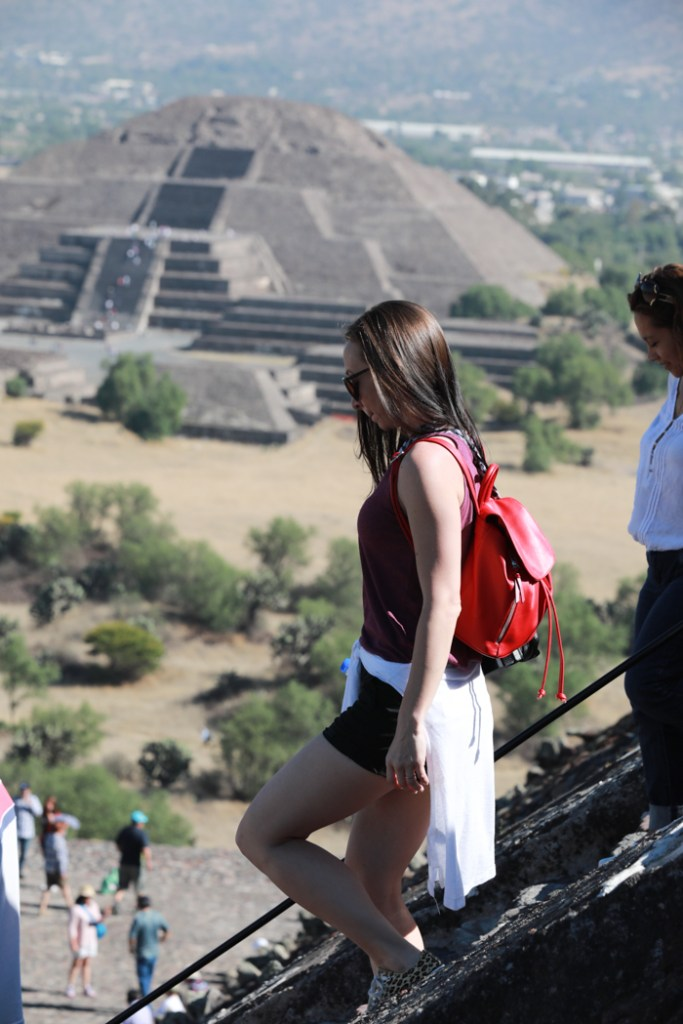 What to pack for Mexico City | What to wear in Mexico City | What to bring to Mexico City | CDMX | bottoms, pants, jeans, shorts, skirt, teotihuacan