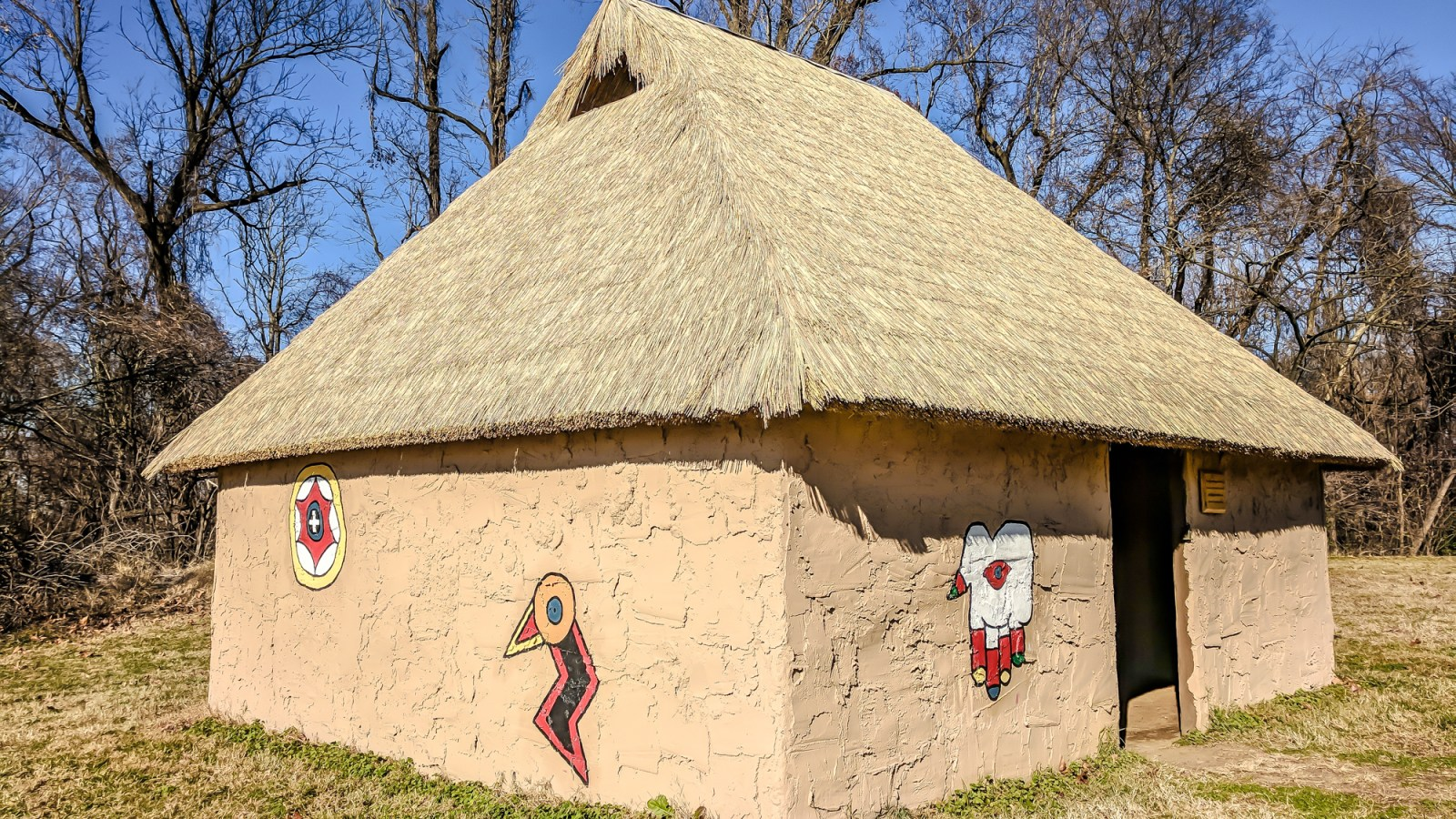 9 Reasons You Should Visit Chucalissa Indian Village | Memphis, Tennessee | West Tennessee Historic Landmark | History museum | Native American, American Indian historical site | Chickasaw, Choctaw, Cherokee, Quapaw, Mississippian culture | Earthen Mound complex