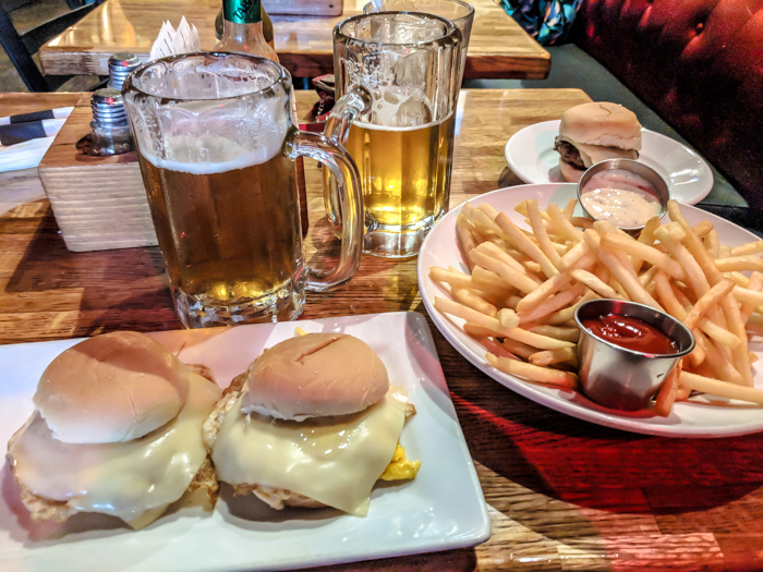 200 things to do in Memphis, Tennessee for first-time visitors - a local's guide | Bardog Tavern #memphis #traveltips #bardog