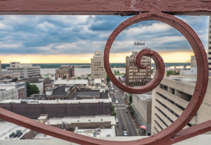 200 things to do in Memphis, Tennessee for first-time visitors - a local's guide | Peabody Hotel Rooftop Party, #memphis #peabody #rooftop #traveltips #view
