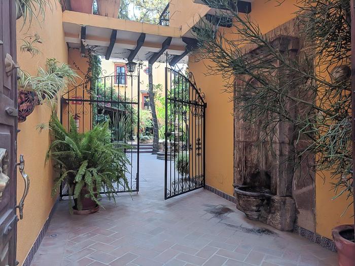 2 days in San Miguel de Allende, Mexico | gate #sanmigueldeallende #mexico #traveltips #timebudgettravel #sanmiguel