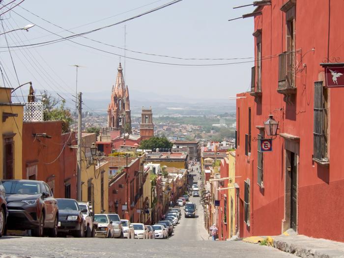 2 days in San Miguel de Allende travel tips | street scene #sanmigueldeallende #mexico #traveltips #timebudgettravel #sanmiguel
