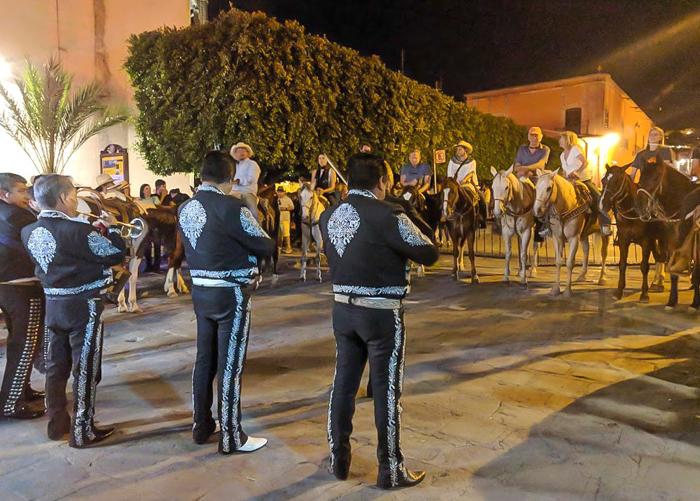 2 days in San Miguel de Allende travel tips | mariachi and horses #sanmigueldeallende #mexico #traveltips #timebudgettravel #sanmiguel #mariachi