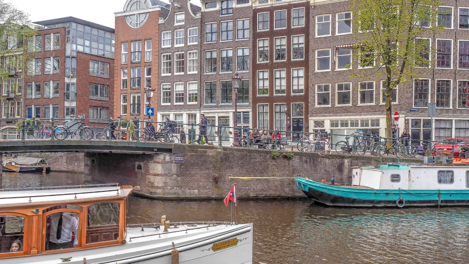 3 Days in Amsterdam | Netherlands | Van Gogh Museum | Rijksmuseum | Heineken Experience | Anne Frank House | Canals | I amsterdam sign | Keukenhof flower tulip gardens | Windmills | Bols experience | brown cafe | red light district | beer