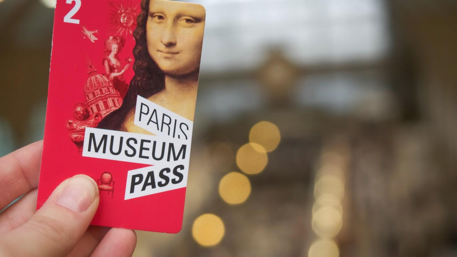 3 days in Paris, France | Paris Museum Pass | Paris Pass | Paris Passlib' | Paris Convention and Visitors Bureau | Notre Dame Cathedral | Saint Chapelle | Musee d'Orsay | Louvre art museum | Eiffel Tower | Seine River cruise | Arc de Triomphe | Notre Dame towers