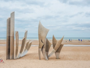 Best D-Day Sites in Normandy, France   WWII   WW2   Caen Memorial Museum   Arromanches   Omaha Beach   Pointe du Hoc   Normandy American Cemetery   La Cambe German Cemetery   World War 2