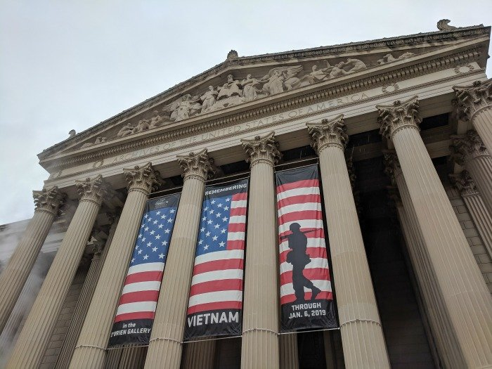 National Archives, Declaration of Independence, Constitution, Bill of Rights | A Jam-Packed 3 Days in Washington DC Itinerary for First Time Visitors | #washingtondc #timebudgettravel #USA