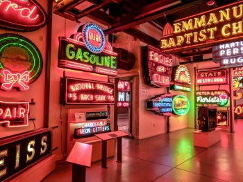 American Sign Museum | Cincinnati, Ohio | Neon signs | How to make | Americana | Private Tour | What to do in Cincinnati | Queen City | Big Boy | American history | Quirky Museums | Unique Museums | Fun things to do in Cincinnati