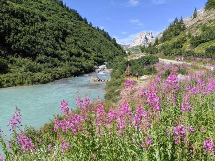 Day trip to Courmayeur, Italy from Chamonix, France / best day hike from courmayeur, val veny
