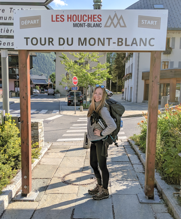 What to pack for Chamonix in the summer / what to wear in chamonix in the summer / alps packing list / chamonix packing guide / what shoes to pack for chamonix / tour du mont blanc