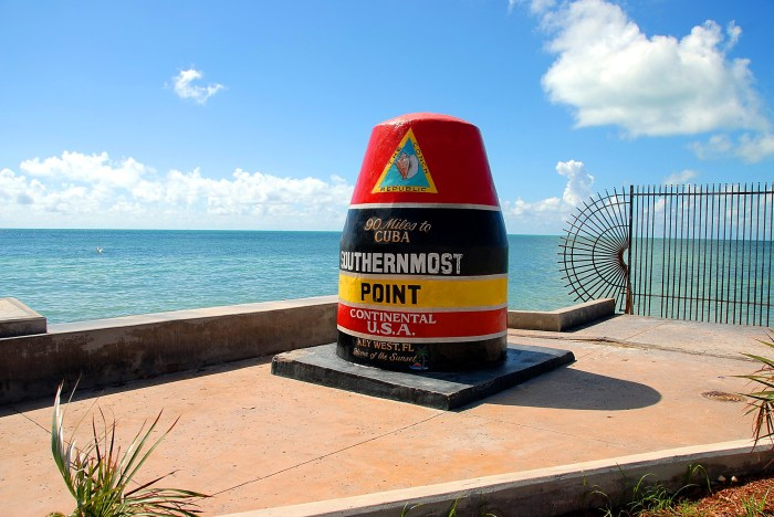 Key West Tips: Helpful Things to Know for a Kickass Weekend in Key West   things to do in Key West, where to get the best key lime pie in key west, and more. #keywest #florida #southflorida #mywanderlustylife #conchrepublic #keylimepie