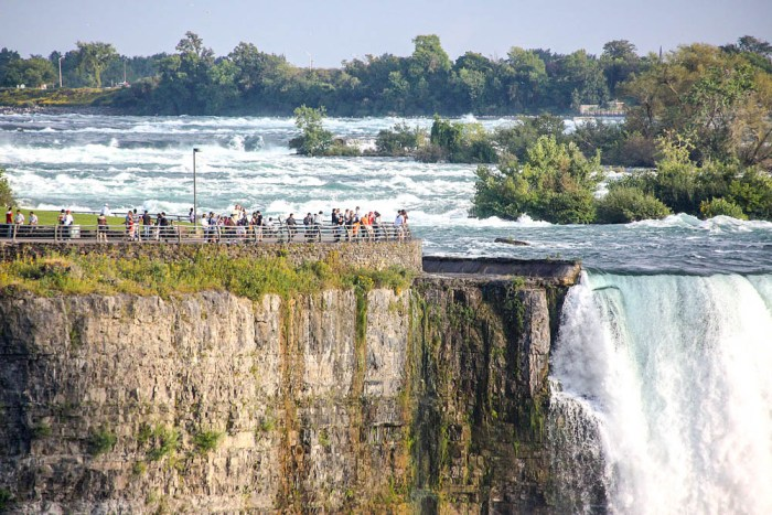 7 of the best niagara falls tours from new york: Visitors on the observation deck